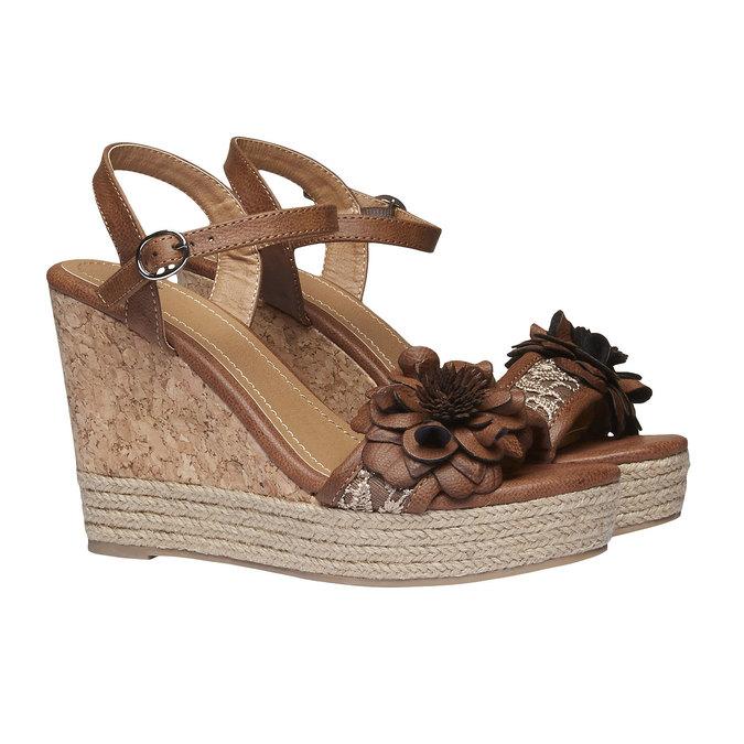 Sandály na platformě s kytičkou bata, hnědá, 761-4529 - 26