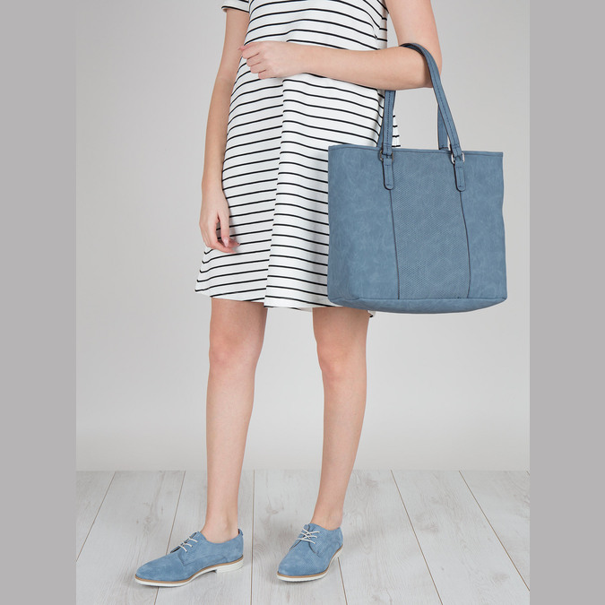 Modrá kabelka s perforovaným detailem bata, modrá, 961-9711 - 17