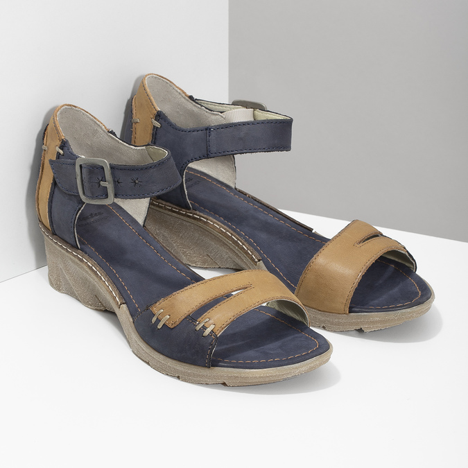 Kožené sandály na klínku bata, modrá, 626-9642 - 26