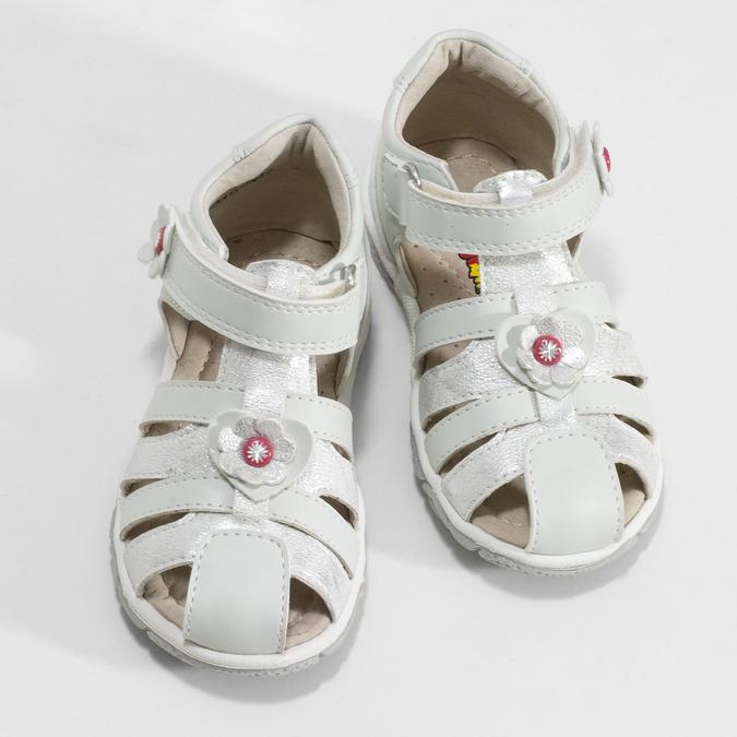 Kotníčkové dětské sandály s květinovou ozdobou bubblegummers, stříbrná, bílá, 161-1607 - 16