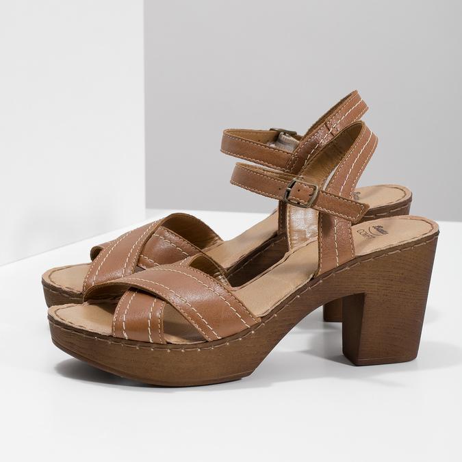 Hnědé kožené sandály na dřevěném podpatku comfit, hnědá, 666-4624 - 16