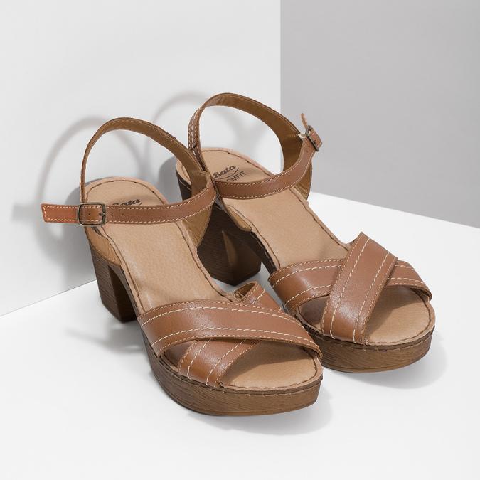 Hnědé kožené sandály na dřevěném podpatku comfit, hnědá, 666-4624 - 26