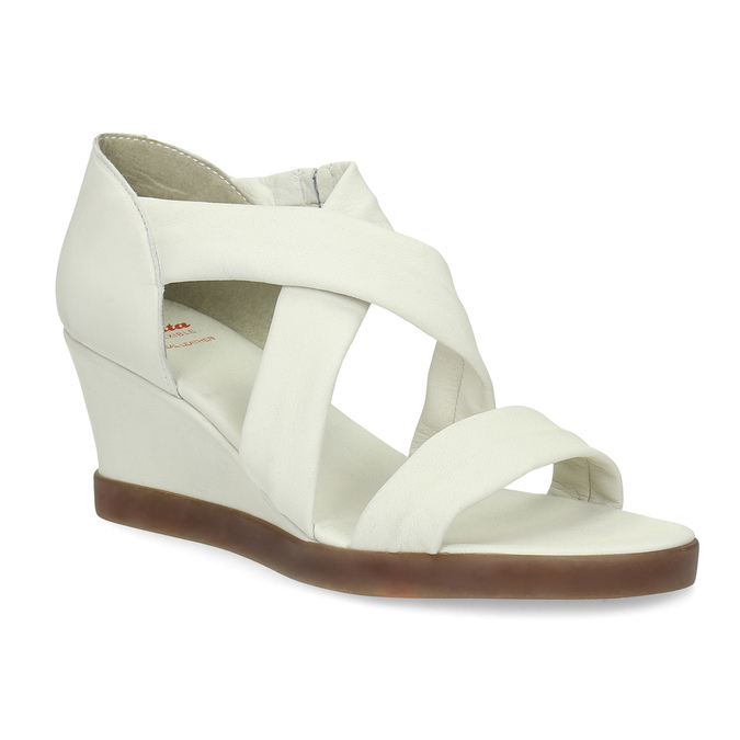 Bílé kožené sandály na klínku s pružením flexible, bílá, 666-1618 - 13