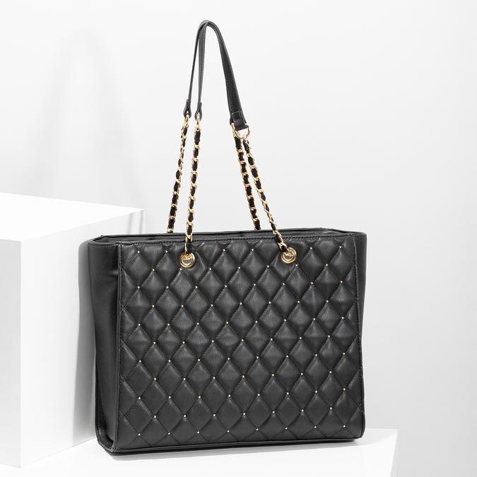 Černá prošívaná kabelka se zlatým řetízkem bata, černá, 961-6908 - 17