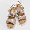 Zlaté kožené sandály na vzorované platformě gabor, zlatá, 765-8600 - 16