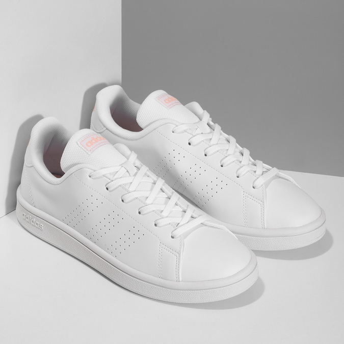 Bílé dámské tenisky s perforací adidas, bílá, 501-1240 - 26