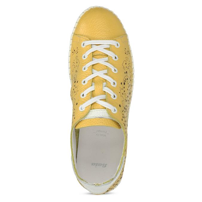Dámská kožená žlutá obuv s perforací bata, žlutá, 524-1613 - 17