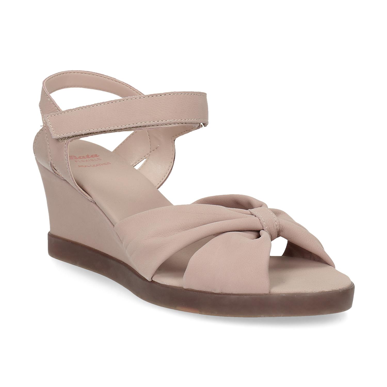 Flexible Béžové kožené sandály na klínku - Sandály  e90ad84ebf